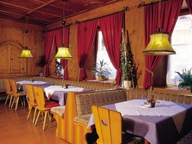 JOSK Kronplatz Studenten week lesvrije week Mondschein hotel stube bar