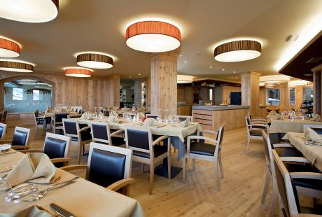 JOSK Passo Tonale Alps & wellnesshotel Delle Alpi restaurant