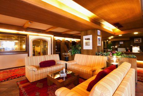 JOSK Arabba Hotel Portavescovo bar lounge