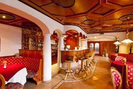 JOSK hotel Tannenhof Kronplatz bar