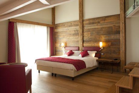 JOSK Passo Tonale Alps & wellnesshotel Delle Alpi kamer nieuw