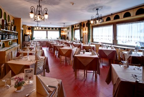 JOSK Livigno Hotel Loredana kamer restaurant