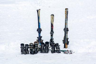 Zo bewaart u skimateriaal in de zomer