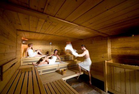 JOSK Saalbach hotel Leonhard zwembad wellness sauna