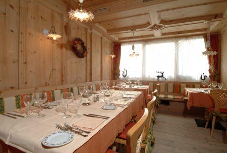 JOSK Livigno Hotel Intermonti stube eetzaal